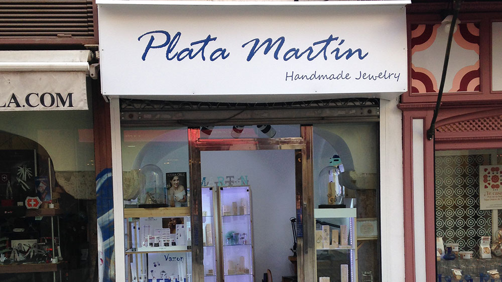 Sevicor abre su tienda junto a Plata Marín en Sevilla centro