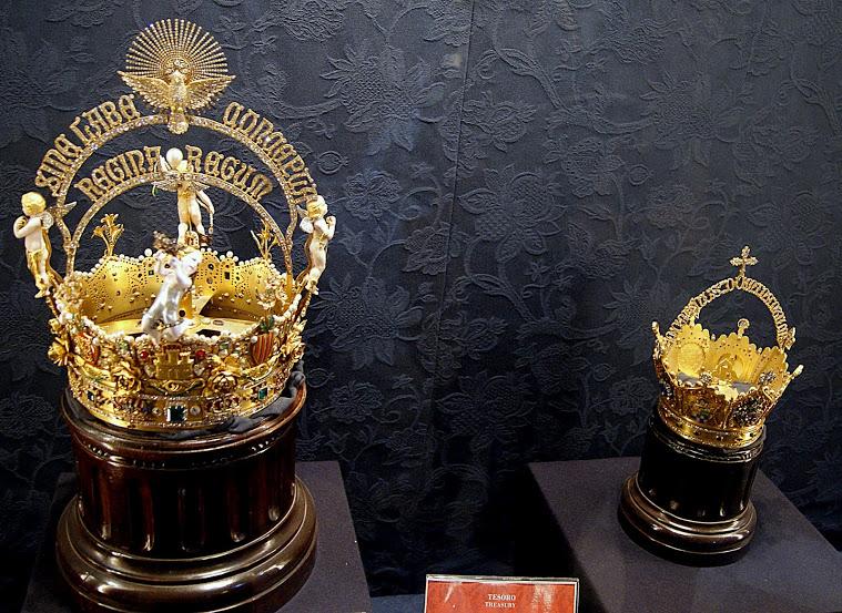 Corona_de_la_Virgen_de_los_Reyes_y_del_Niño_Jesús_Tesoro_de_la_catedral_de_Sevilla